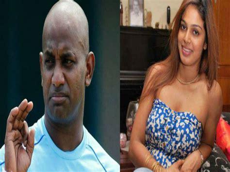 पूर्व क्रिकेटर जयसूर्या का Ex Wife के साथ सेक्स वीडियो लीक