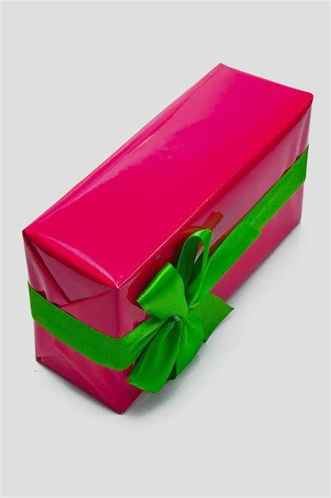 images gift box pink day background isolated