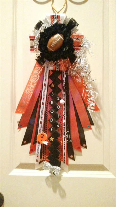 homecoming mums for boys 1000 ideas about texas homecoming mums on pinterest homecoming mums homecoming garter and