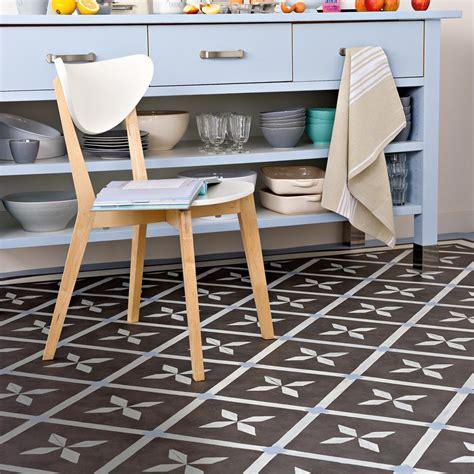 sol cuisine lino un lino peint dans la cuisine
