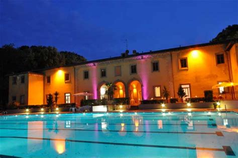 piscina le cupole firenze it s summer i am hot pools in florence italy