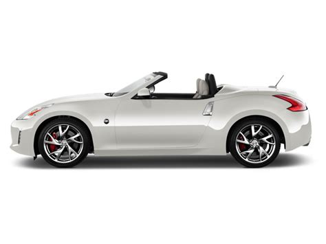 2016 Nissan 370z Coupe Test
