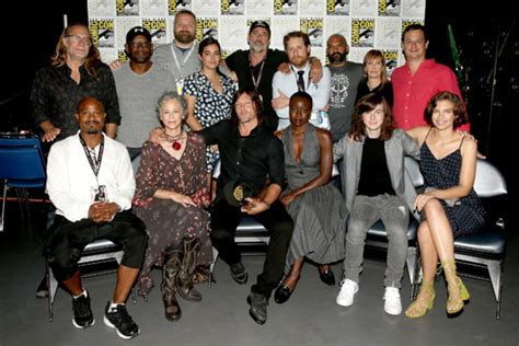 This video highlights the voice talent behind the walking dead: The Walking Dead Cast Ranked | Complex
