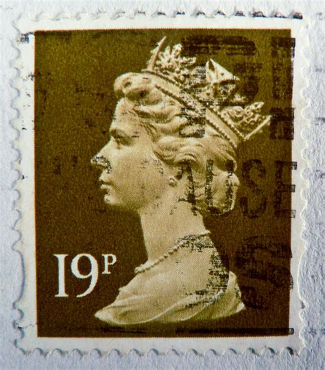 English Stamp Gb 19p Uk Great Britain England Queen Elizab