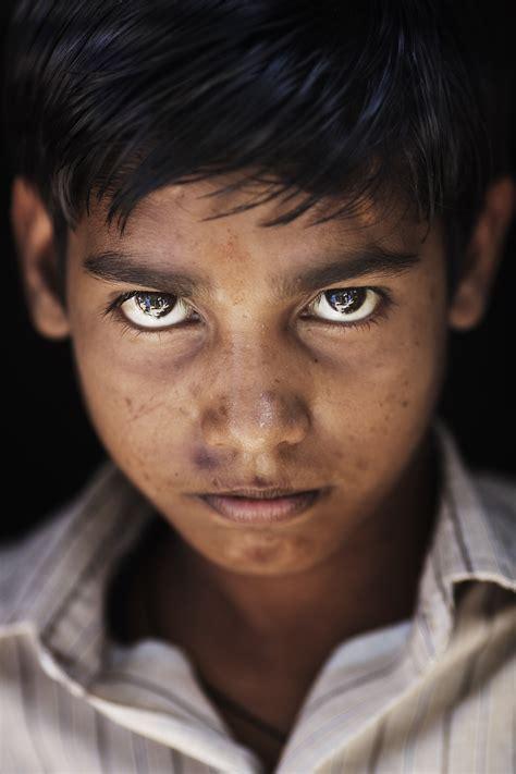 fileindia varanasi dark hair boy jpg wikimedia