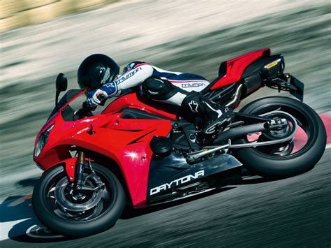 Motorcycles Of Daytona by 2012 Triumph Daytona 675 Motorcycle Pictures