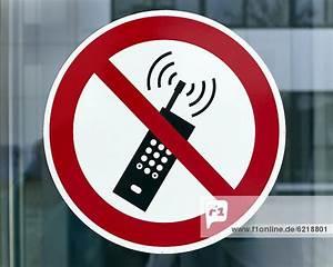 Zeitwert Berechnen Handy : handy verbot schild mit handy durchgestrichen ~ Themetempest.com Abrechnung