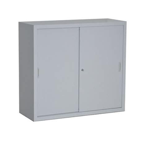 armoire de bureau porte coulissante armoire basse à porte coulissante bureaudépôt