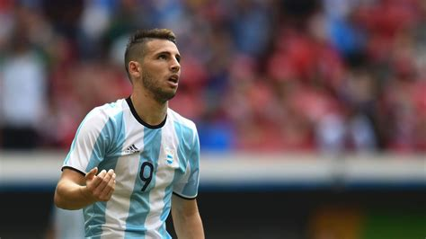 Who is Jonathan Calleri? Profile of West Ham's new loan ...