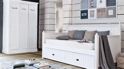 canapé danois une chambre style bord de mer