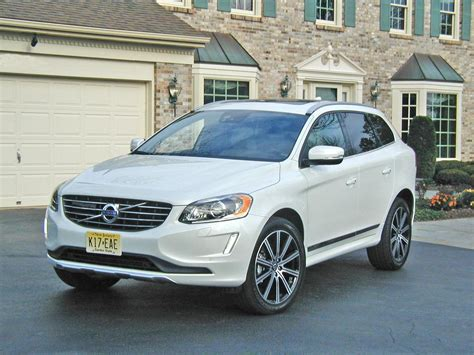Volvo Xc60 Crossover by 2015 Volvo Xc60 Crossover Heralds Driving Efficiency