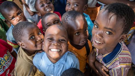 5 Simple Ways to Help a Child in Need on #GivingTuesday ...