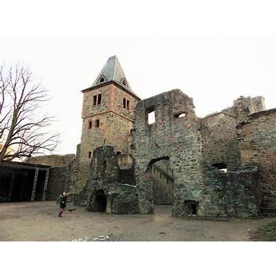 Frankenstein Castle (Burg Frankenstein) (1252). Mühltal