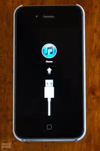 iphone stuck on update how i fixed my frozen iphone 4s display stuck with usb