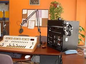 the QUBE 88.9 FM (CJMQ) : Photos
