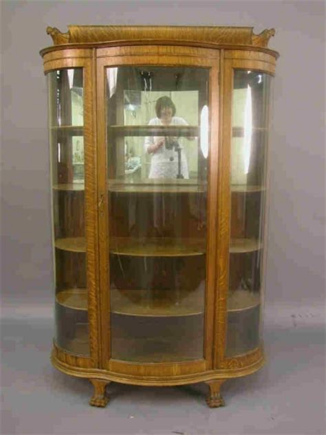 Curved Glass Curio Cabinet By Chintaly by American Oak Curio Cabinet With Curved Serpentin 1538123