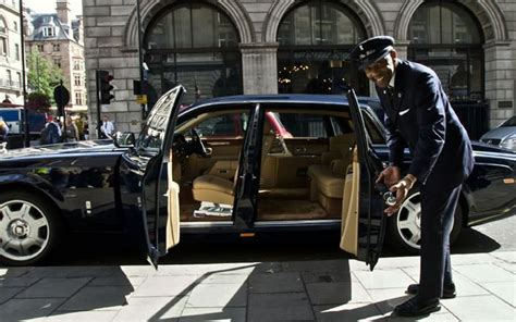 Chicago Chauffeur Service by Auto Troop Automotive Guides