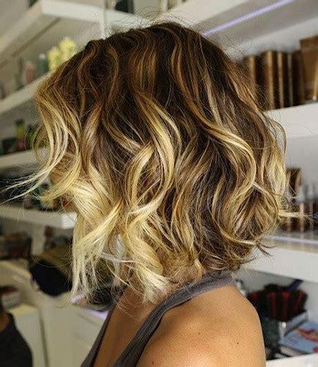 coiffure carre plongeant frise