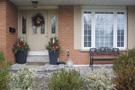 what exterior paint colours work with orange brick and
