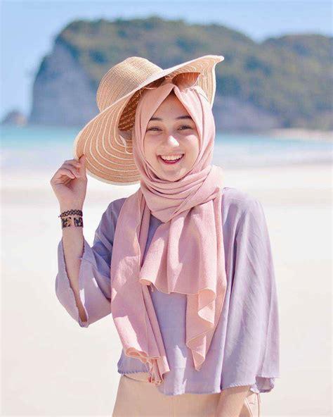 Wanita Dewasa Berhijab 18 Trend Model Baju Hijab 2018 Terbaru Desain Casual Modern