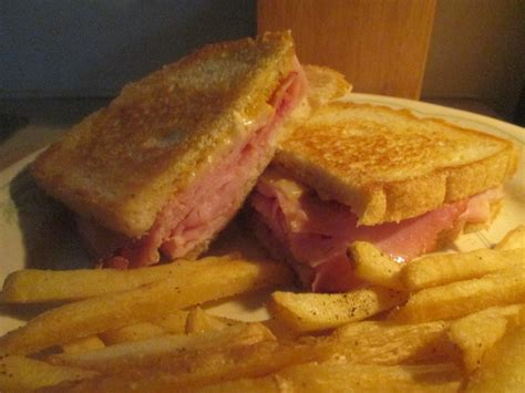 Ham & swiss on sourdough. Diab2Cook: Grilled Ham and Swiss on Sour Dough Bread w/ Baked Fries