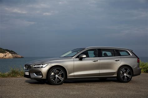 volvo models 2020 2019 volvo v60 cross country canada release date 2019