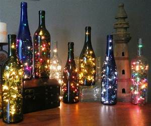 Flasche Mit Lichterkette : flaschendeko zu weihnachten weihnachtsschmuck aus recycelten flaschen ~ Frokenaadalensverden.com Haus und Dekorationen