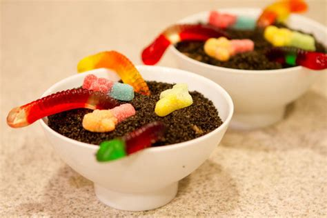 dirt cake with gummy worms maker family projects