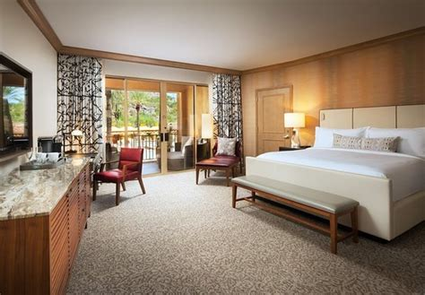 canyon suites   phoenician updated  prices