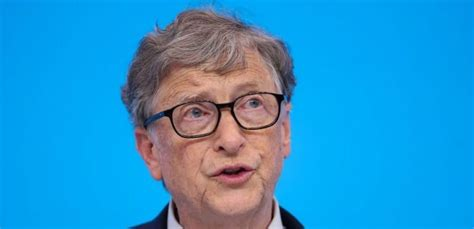 Bill Gates Pictured Queueing Up For Burger And Fries In ...