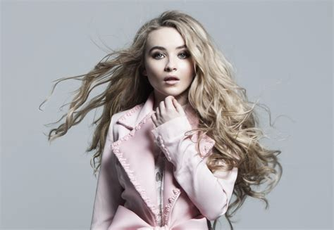 Sabrina Carpenter Joins Pilot 'so Close'