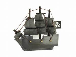 Wholesale Wooden Flying Dutchman Model Pirate Ship Magnet