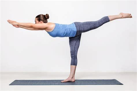 How To Do Boat Pose Without Hurting Tailbone by Best 25 Challenging Poses Ideas On