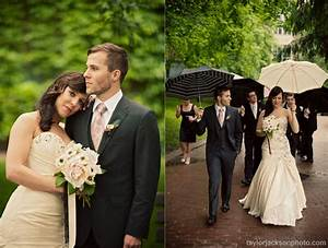 Wedding blog wedding parasols and umbrellas for Umbrella wedding photos