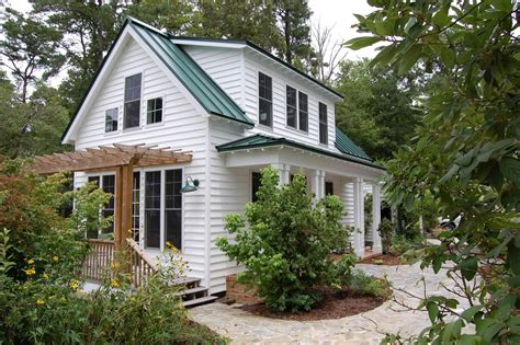 traditional cottage this traditional quot katrina cottage quot design has 3 bedrooms in 1 112 sq ft www facebook com