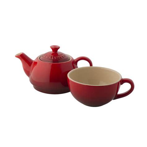 le creuset stoneware tea   set cerise red