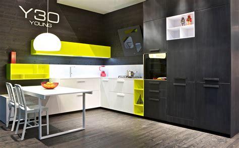 repeindre ses meubles de cuisine en bois les niches de couleur pour booster sa cuisine