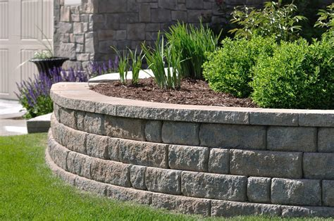 build  block retaining wall   complement