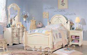 Handful Tips For Buying The Girls Bedroom Sets Home