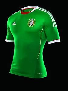 La nueva camiseta oficial del uniforme de la Selección mexicana 2011 piel