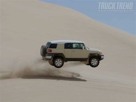 Toyota Land Cruiser Backgrounds by 3 Toyota Fj Cruiser Hd Wallpapers Background Images