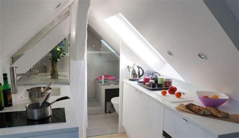 studio paris  super   sous les toits cote maison
