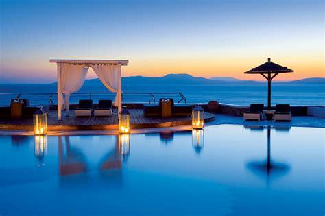 5 romantic destinations for the ultimate luxury honeymoon
