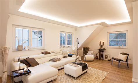 Wohnzimmer Neu Gestalten Mit Spanndecken by Eine Neue Decke In Nur Einem Tag Plameco