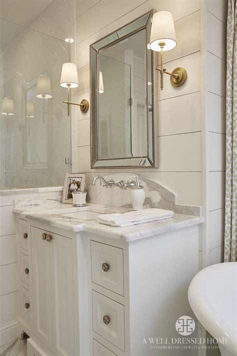 Bathroom Mirror Sconces by Best 25 Bathroom Sconces Ideas On Bathroom