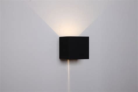 cube 6 8w led exterior up wall light black toca1