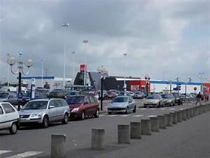 Centre Commercial Carrefour Vitrolles : les centres commerciaux temples du tout voiture pas de ~ Dailycaller-alerts.com Idées de Décoration