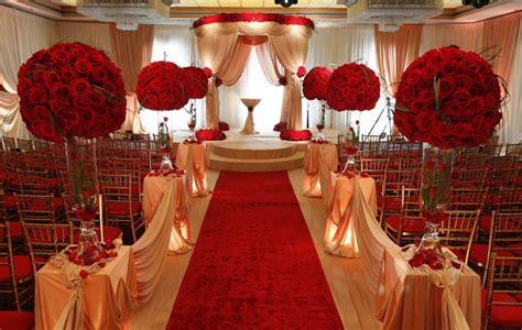 Red and white wedding ceremony Google zoeken Gold