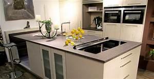 Granit Arbeitsplatte Online Bestellen : stunning k chenarbeitsplatte aus granit ideas amazing ~ Michelbontemps.com Haus und Dekorationen