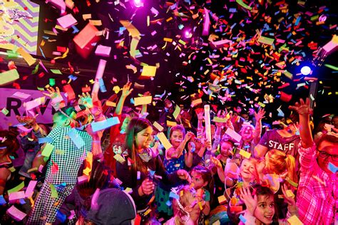 96 видео 4 061 просмотр обновлен 6 февр. A First-Ever 'Family-Friendly Rave' Set to Launch in Dubai in November - GDE